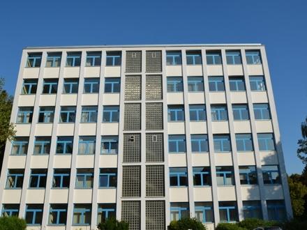 Büroeinheit in einem gepflegten Wohn- u. Geschäftshaus mit Fahrstuhl in Vegesack