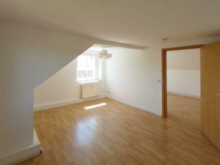 Süße 3 Zimmer Dachgeschosswohnung mit Gutschein*