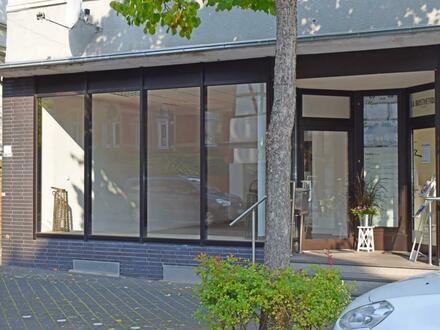 Kleines Ladenlokal mit großer Schaufensterfläche