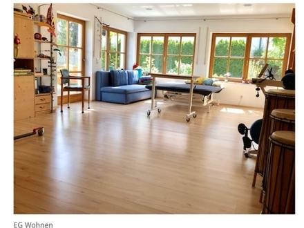 5 ZKB ca. 144 m² ab 01.04.20 frei, 1.400,- € zzgl. NK. Große behindertengerechte...