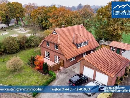 Wohlfühlen, einziehen, Zuhause sein! Großes 8-Zimmer Einfamilienhaus (Option Einliegerwohnung) mit Doppelgarage in Neuenburg…