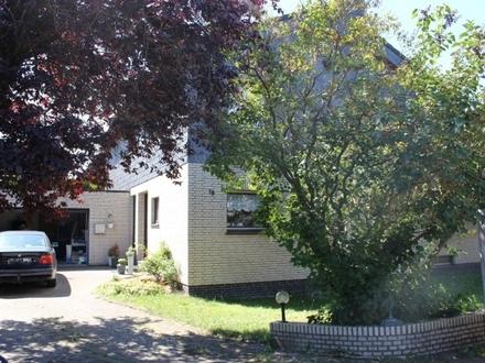5493- Großes Wohnhaus mit Garage und Keller und ruhiger Lage von Friedrichsfehn!