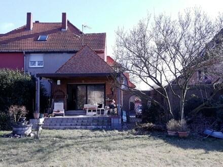 Klassisches Zechenhaus auf schönem Grundstück!