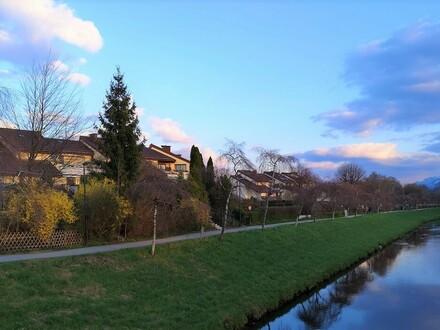 Maxglan: Großgarc., 44 qm im DG.