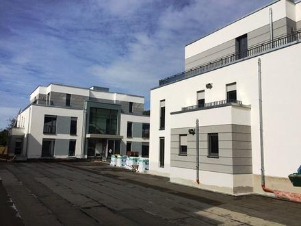 Erstbezug: Helle 2-Zimmer-Wohnung mit Westbalkon