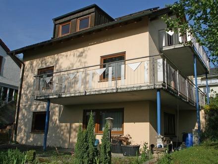 Ein Haus mit Wohnreserven im Gartengeschoss