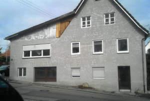 Wohnhaus mit Werkstatt und Büro