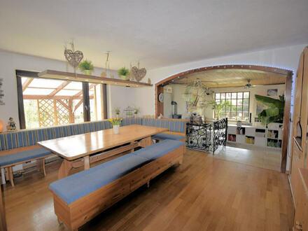 Solides Einfamilienhaus/Bungalow mit sehr großem Grundstück und vielen Highlights