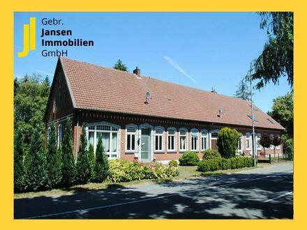 Denkmalgeschützte Doppelhaushälfte auf großzügigem Grundstück in Kluse!