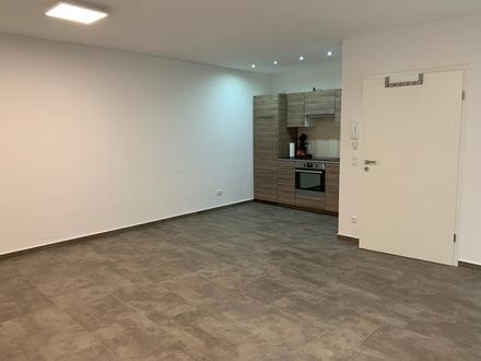 Klein und fein im Erdgeschoss mit Einbauküche, kleine Terrasse und Stellplatz in Haldensleben