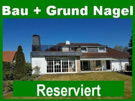 Einfamilienhaus im Bungalowstil mit viel Charme und großem Grundstück!