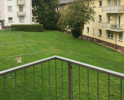 Das sollten Sie nicht verpassen - Wohnung mit modern sanierten Badezimmer und Balkon!