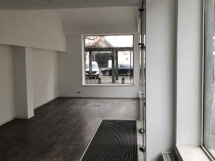 Lichtdurchflutete Räume (Ecklage) mit großer Schaufensterfront im Wengenviertel Ulm.
