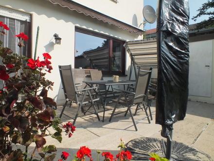 LAYER IMMOBILIEN: Schnell sein lohnt sich! Gemütliches Reiheneckhaus in Friedberg/Süd