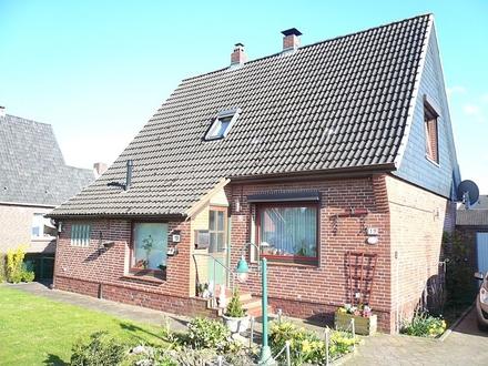 Gepflegtes Einfamilienhaus mit Garage und großer überdachter Terrasse