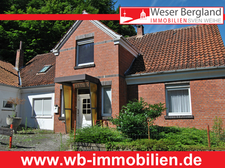 Sanierungsbedürftiges Ein- bis Zweifamilienhaus in Porta Westfalica - Lerbeck
