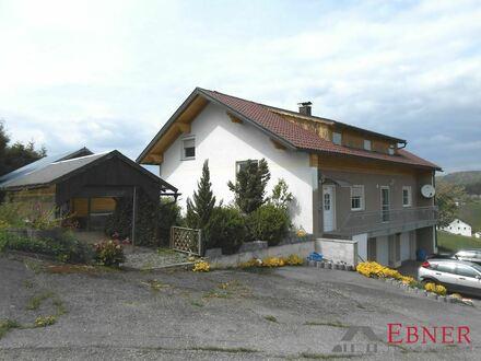 ** Zweifamilienhaus in Jandelsbrunn mit Fernsicht **