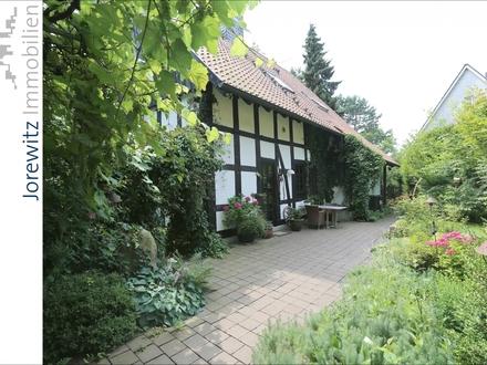 Saniertes Fachwerkhaus mit tollem Gartengrundstück zwischen Bielefeld-Heepen und Oldentrup