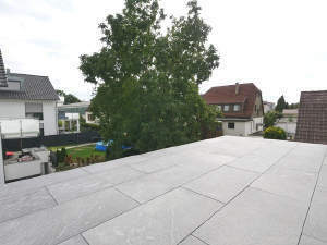 **Neubau-Erstbezug-exklusive Dachgeschosswohnung**
