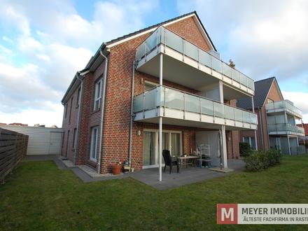 Moderne, lichtdurchflutete EG-Wohnung mit Carport im Zentrum zu vermieten! (Objekt-Nr.: 5842)