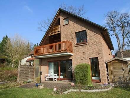 Für pures Familienglück - Wunderschönes Einfamilienhaus mit Garage in Bremen-Lesum