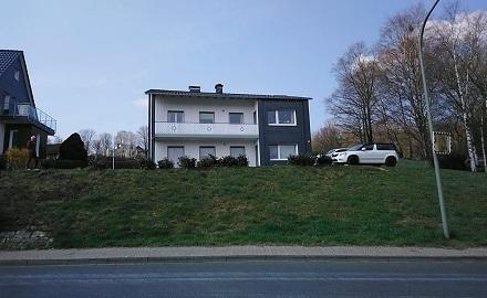 Einfamilienhaus mit Einliegerwohnung und Garage in herrlicher Lage von Erndtebrück