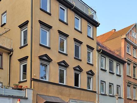 Mitten in der charmanten Altstadt Esslingens: vermietete 5 Zi.-Wohnung mit eigenem Pkw-Stellplatz