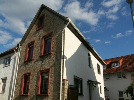 Das eigene Haus: 3,5 ZKB, ca. 102 qm, Hofnutzung + Speicher im grünen Udenheim, ab 1.10.2018! 690 Euro KM + 80 Euro NK