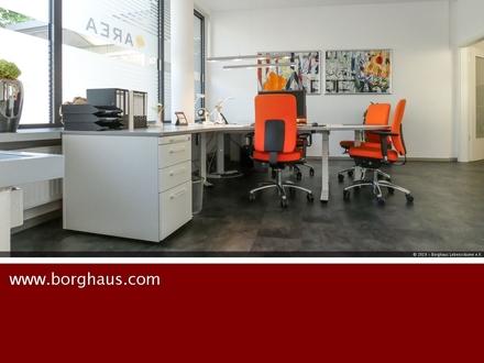 Modern ausgestattete Büroplätze