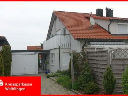 Schöne Doppelhaushälfte in ruhiger Ortsrandlage für die kleine Familie!