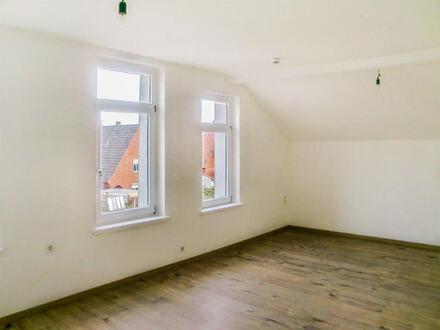 Moderne 2-Zi.-Wohnung mit eigenem Garten und Terrasse