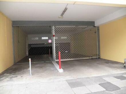 Vier Tiefgaragen-Stellplätze in 70176 Stuttgart-West, Herzogstraße 11