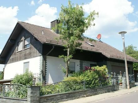 Ein Anwesen mit vielen Besonderheiten und jede Menge Platz zum Ausbreiten für 1 oder 2 Familien
