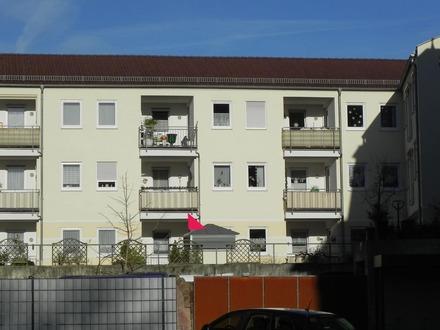 Erdgeschosswohnung in Klingenberg mit 3 Tiefgaragenplätzen
