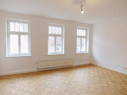 Erstbezug nach Sanierung! Helle 3-Zimmer-Altbauwohnung im Herzen Coburgs