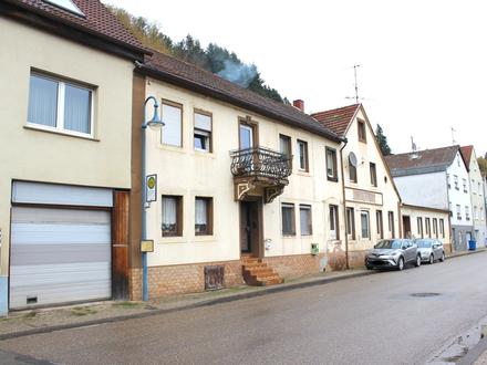 Wohn- und Geschäftshaus mit viel Neu- und Umbaupotential in Thaleischweiler-Fröschen.