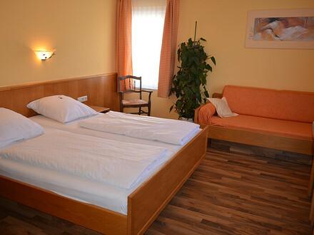 Charmantes ***Hotel in aufstrebender Kleinstadt, IHK Bezirk Heilbronn-Franken