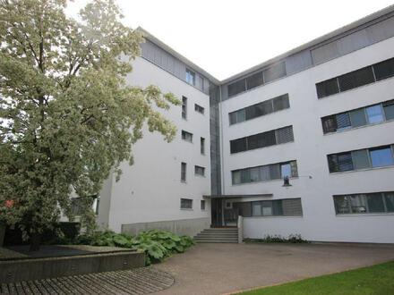 Moderne 3,5-Zimmer-Wohnung mit eigenem Gartenanteil in absolut beliebter Wohnlage