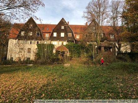 Historisches Eisenbahnerwohnheim in Bad Karlshafen auf einem wunderschönen 10.000m² Grundstück
