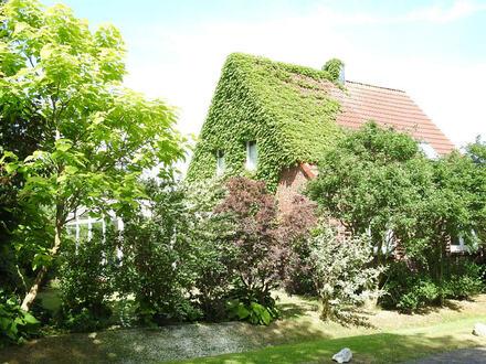Großzügiges Klinkerhaus mit Wintergarten und tollem Grundstück