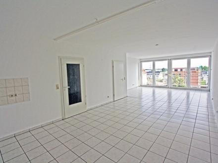 Gut aufgeteilte Wohnung mit Aufzug bis vor die Tür