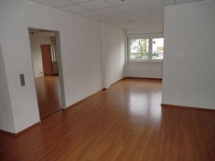 Praxis- oder Bürofläche im Zentrum von Waldmohr zu verkaufen!