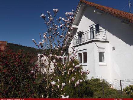 1049 qm Grundstück plus Zweifamilienhaus !