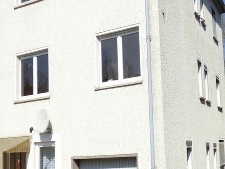 2 6 9. 0 0 0,- für kleines 3 Familienhaus mit Ausbaureserve und 1 4. 5 2 0,- p.a. Mietertrag