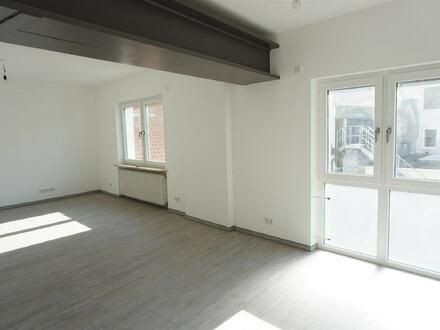 ARNOLD-IMMOBILIEN: Loft-Stil - Single-Appartement in der Fußgängerzone
