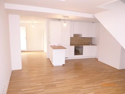 PUR LEBEN IM 12. - 115 m² Dachgeschosswohnung mit Galerie, Balkon und Dachterrasse