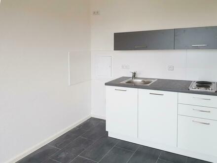 Für Sie renoviert… Tolle Singlewohnung mit Einbauküche