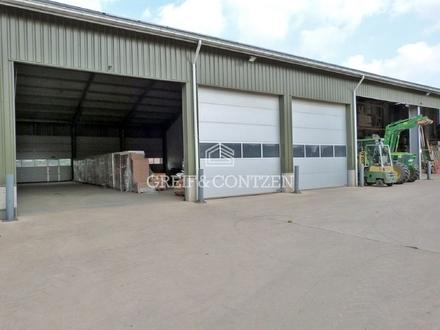 Funktionale Lagerhalle an der A59