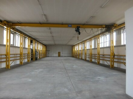 26_VH3451 Gewerbeanwesen mit Produktionshalle und Büro / Neutraubling