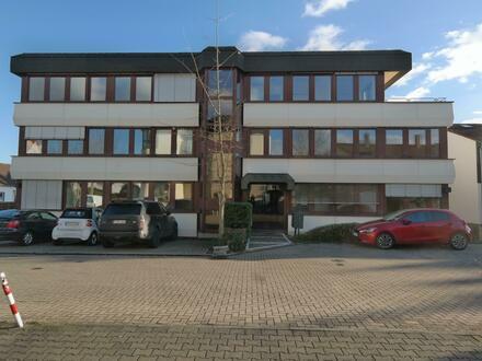 Penthouse Bürofläche in einem kleinen Bürohaus in Eschborn! ++Provisionsfrei++
